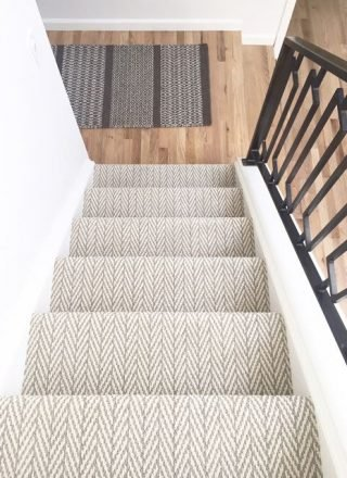 floor-and-stairs-with-carpet